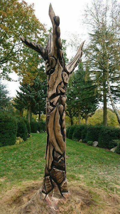 Skulptur på Vissenbjerg Kirkegård 3