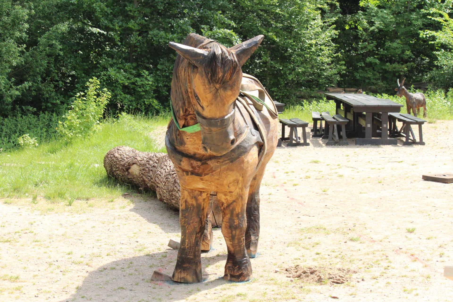 Hest - Træskulpturer til Den Fynske Landsby