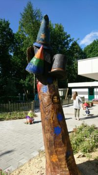 Tænkehatten - træskulptur i eg - 1