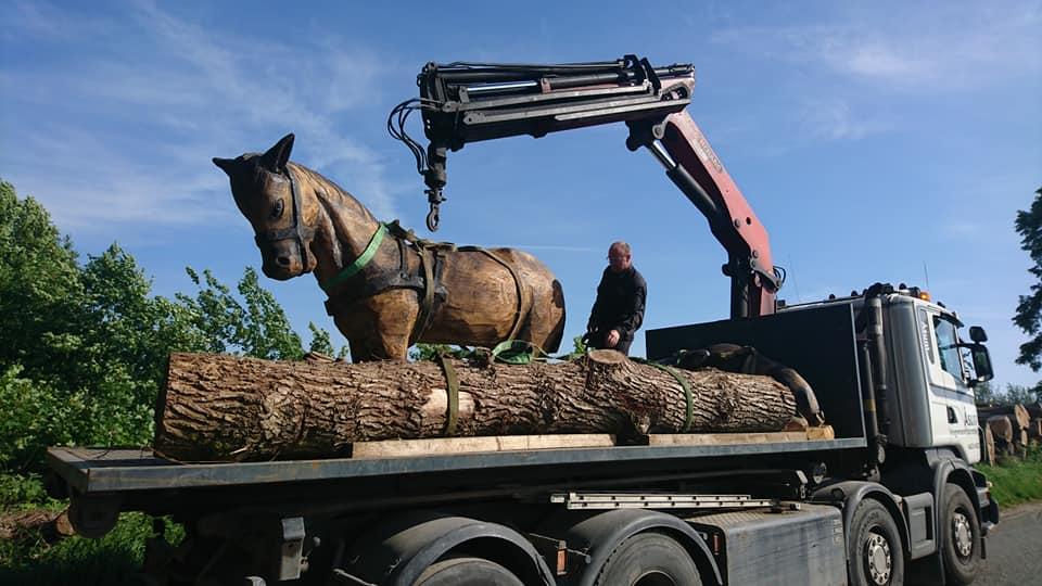Hest 2 - Træskulpturer i Den Fynske Landsby