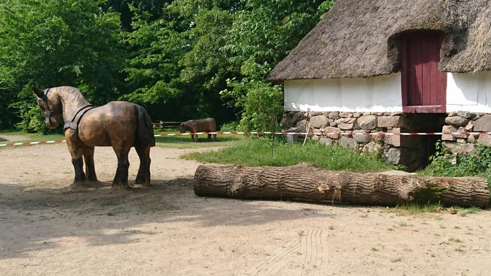 Hest - Træskulpturer i Den Fynske Landsby